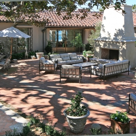 thumb_Front courtyard 1_1024