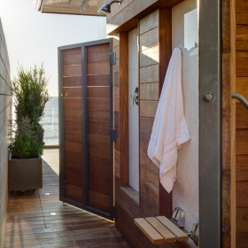 OUTDOOR SHOWER OPEN